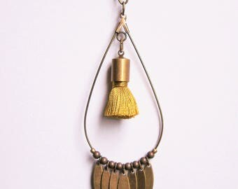 Drop necklace in brass and Ochre yellow tassel