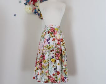 "1950s Style Skirt - Pink Floral Pleated - 1990s - Full Flare Summer Garden Spring Skirt - Size Medium 28"" Waist"