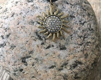 sunny necklace / pendant.