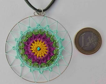 Mandala crochet pendant with cotton yarn, artisan, handmade, exclusive, cheerful, colorful and vegan, ideal for an original gift