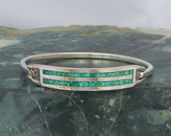 """Taxco Mexico Silvertone 6-1/2"""" Vintage Hinge Bracelet Chipped Green Stone Inlay J36"""