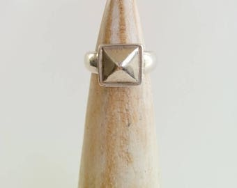 Vintage Sterling Silver Square Pyramid Geometric Peak Chunky Ring