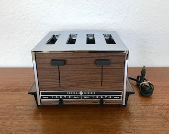 General Electric Popup 2-4 Slice Dual Control Chrome Wood Grain Toaster | Vintage Kitchen Electrics USA
