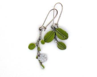 Metal - white flower earrings
