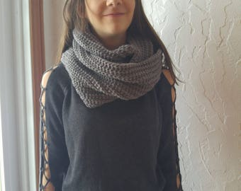 Infinity scarf gray two laps, perfect for the winter scarf knitted by hand