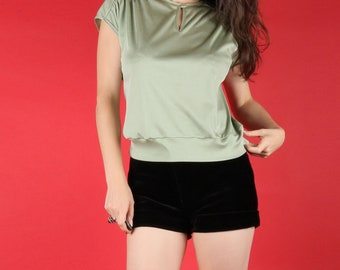 Sweet 70s Vintage Sage Green T Shirt Blouse