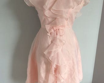 Delicate and romantic dress pink 1960s