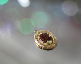 Gold Burgundy Rose Locket Pendant *Excellent Condition