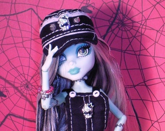 Monster High clothes outfit (shoes,