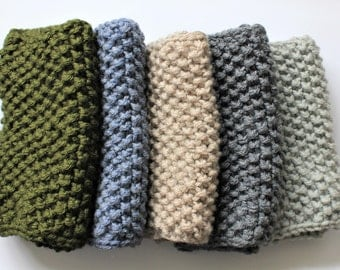Chunky Knitted Seed Stitch Snood/ Cowl // Vegan Acrylic