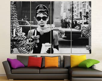 Breakfast at Tiffany's Audrey Hepburn print Tiffany art decor Tiffany poster Audrey Hepburn decor Black White photo Movie canvas print