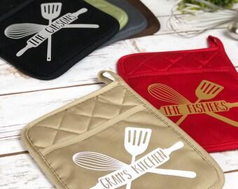 Oven Mitt - Potholder - Pot Holder - Family Name - Personalized Gift - Housewarming Gift - New Home Gift - Cooking Gift - Hostess Gift