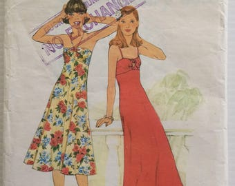 Simplicity vintage 1970's sewing pattern 8022 - Misses' dress in two lengths