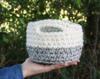 Crochet chunky basket / two tone basket / ombre basket / nesting bowl / office storage / rustic modern home decor / best friend gift