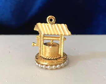 Charm - Wishing Well for Necklace or Bracelet