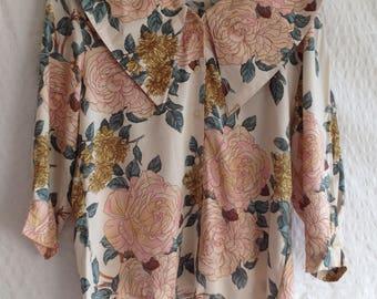 vintage 1980s blouse Avance Creation flowers floral collar shoulder pads roses v-neck