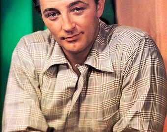 ROBERT MITCHUM PHOTO #1C