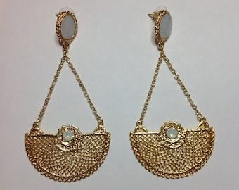 GOLD WHITE EARRING