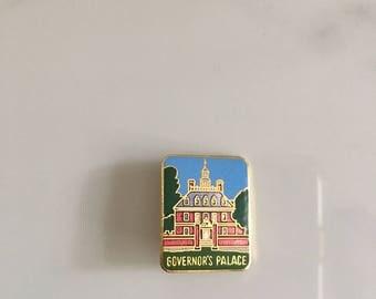 Vintage Williamsburg Virginia Pin, Vintage Governor's Palace Pin, Vintage Historical Williamsburg Pin