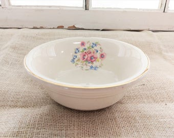 Vintage 1940s Royal China Set of Cereal Bowls (7) / Pink and Blue Floral Pattern