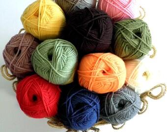 Hand Knit Yarn / Wool Yarn / Acrylic Yarn / Worsted Yarn / Crochet Yarn / Knit Yarn 100 g - 3.53 oz.