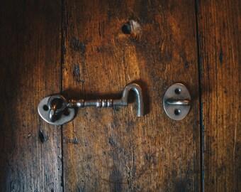 "Cast Iron Cabin Hook Cupboard Lock (Door Latch) in an Antique Iron Finish with Beautiful Decorative Design 4"""