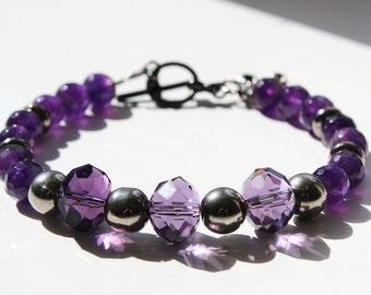 Natural Amethyst Gemstone Bracelet with Fleur-de-lis Charm for Her. Amethyst Jewellery. Purple Beaded Bracelet. Handmade Bracelet.
