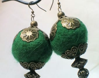 Morrocan princess Green felted earring with copper