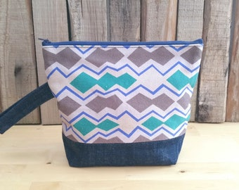Knitting Project Bag, Zipper Clutch, Toiletry Pouch, Upcycled Denim, Eco Friendly, Geometric Print, Retro Style, Gift for Knitters, Altfield