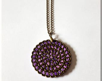 Necklace round bronze and purple print