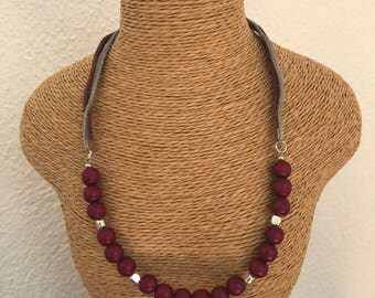 Frozen Berries Necklace with beads and leather