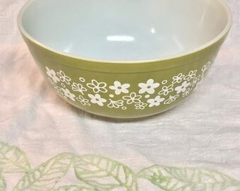 Vintage Pyrex 1970s Crazy Daisy Spring Blossom Green 2.5QT Round Mixing Bowl #403