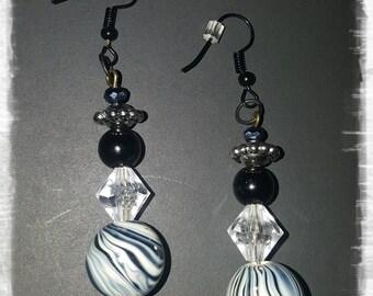 LID Enterprises, Hand Crafted Earrings, Black & White