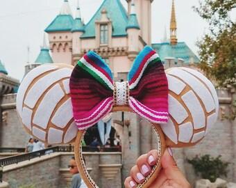 Pan Dulce Concha Minnie Ears
