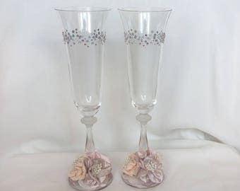 Wedding champagne flutes Bride and groom wedding glasses Wedding toasting glasses with opal rhinestones Toasting flutes Bridal shower gift