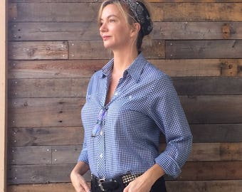 Vintage Women's Blue and White Gingham Checked Western Style Long Sleeve Shirt by Koret City Blues