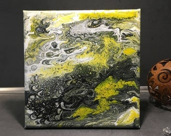 Marble Collection: Honeybee i-small acrylic in black yellow