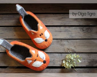 """Felted slippers, """"Funny Foxes"""", Women wool felt slippers, handmade home shoes, gift for birthday, woolen slippers"""