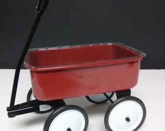 Red Wagon/ small