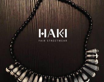 Hanging beaded necklace | Type: Wesesa