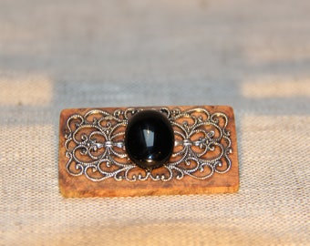 Wooden vintage brooch, print and stone