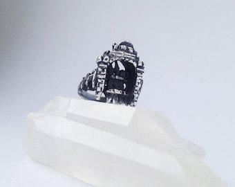 silver fortification stronghold ring // ramparts