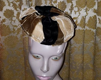 Vintage 1940's Ladies Velvet Bow Hat Union Label Black Ivory