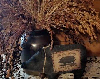 Primitive Black Pig Cupboard Tuck Decoration