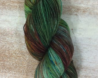 Hand Dyed Yarn - Fingering Sock Yarn- green rust red with speckles - speckled -204