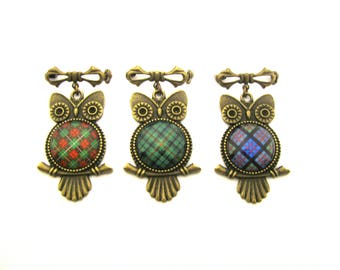 Scottish Tartan Jewelry - CHOICE OF ONE 20mm Bruce Hunting Urquhart or MacDonald Ancient or Custom Tartan Sweet Baby Owl 20mm Brooch