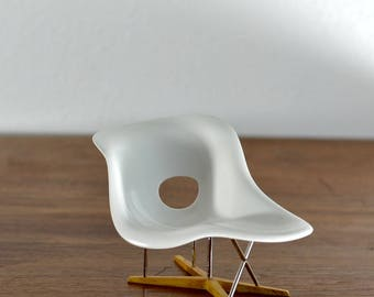 Eames La Chaise Miniature 1/12 Scale