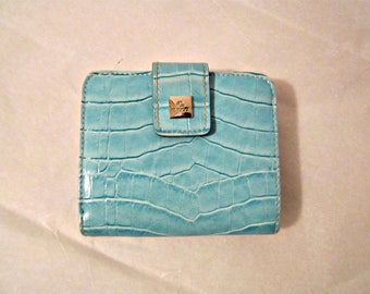 Wallet Blue, Blue Billfold Wallet, Aqua-Blue wallet, Wome's wallet, Wallet Lots of pockets
