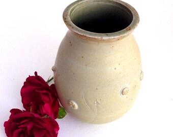 Creamy Ceramic Prairie Vase