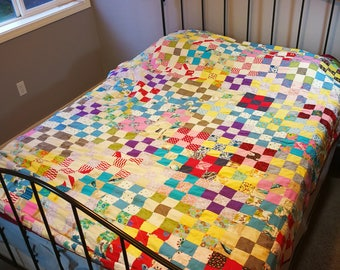 9-patch quilt in red yellow purple white blue and more / vintage fabrics / antique / cotton / Home decor / shabby chic